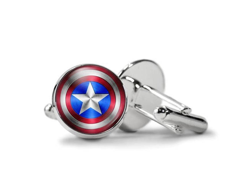 How to pick Novelty cufflinks?
